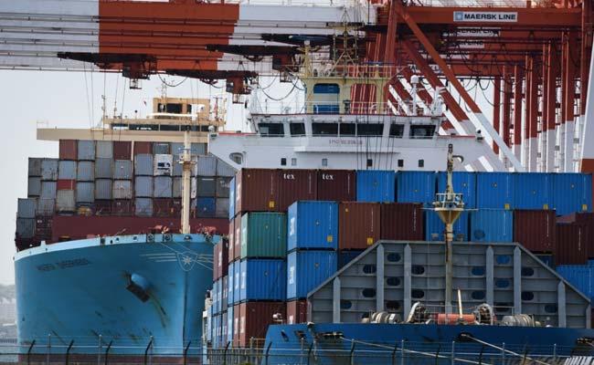 अगस्त में निर्यात में 13% की गिरावट;  व्यापार घाटा $ 6.77 बिलियन को कम कर देता है