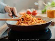 jgc0hg78 noodles cooking 625x300 10 July 20